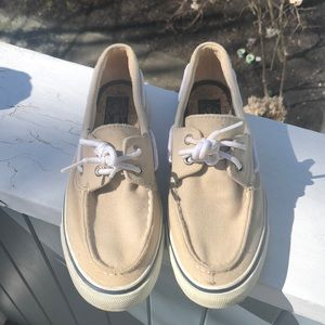 Classic Sperry Topsiders for boating neutral cream